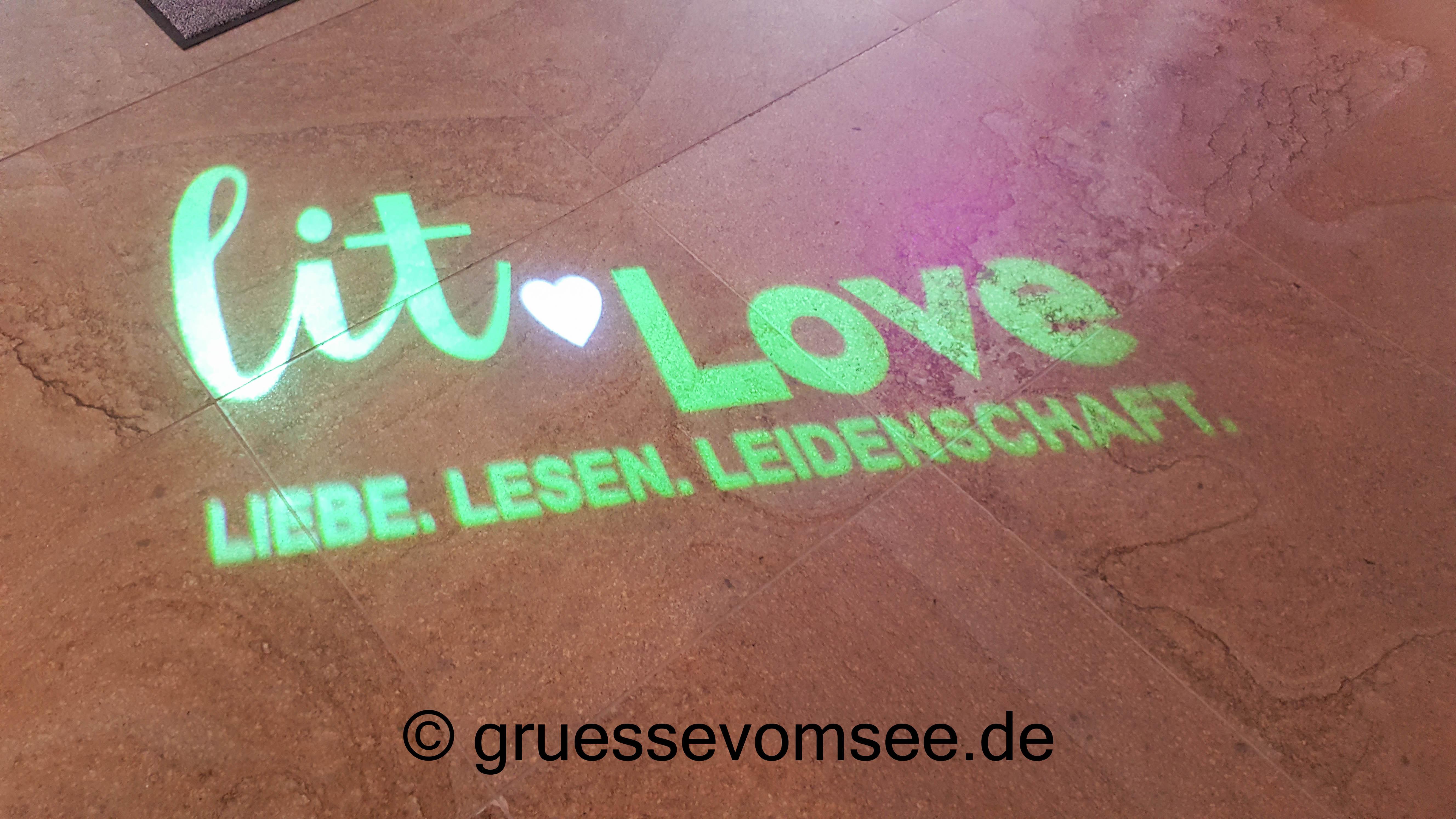 Rund um´s Buch: Die lit.love von RandomHouse in München